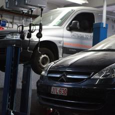 JLJ Luc's Garage - garage